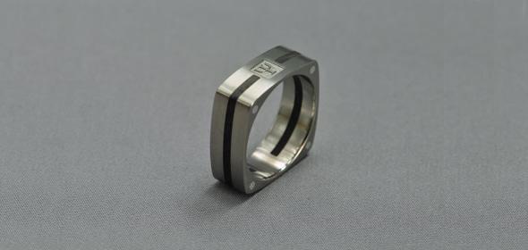 Pszi – Titán/Ébenfa/Ezüst – Karikagyűrű, Jegygyűrű