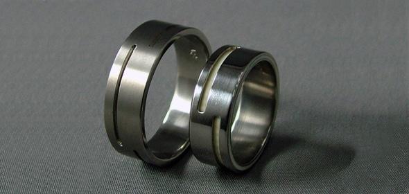 Donagh – Titán/Csont – karikagyűrű, jegygyűrű