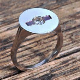 gyémánt, briliáns, anódizált titán, karikagyűrű, titán karikagyűrű, egyedi karikagyűrű, design karikagyűrű, különleges karikagyűrű, design jegygyűrű, különleges jegygyűrű