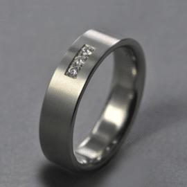 gyémánt karikagyűrű, karikagyűrű, titán karikagyűrű, egyedi karikagyűrű, design karikagyűrű, különleges karikagyűrű, design jegygyűrű, különleges jegygyűrű