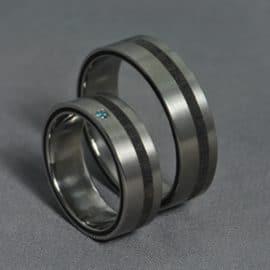 wedding ring, blue diamond, titán karikagyűrű, ében karikagyűrű, egyedi karikagyűrű, különleges karikagyűrű, gyűrű, karikagyűrű, titán karikagyűrű, gyémánt gyűrű, titánium karikagyűrű