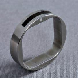 titán karikagyűrű, ében karikagyűrű, egyedi karikagyűrű, különleges karikagyűrű, gyűrű, karikagyűrű, titán karikagyűrű, titánium karikagyűrű,